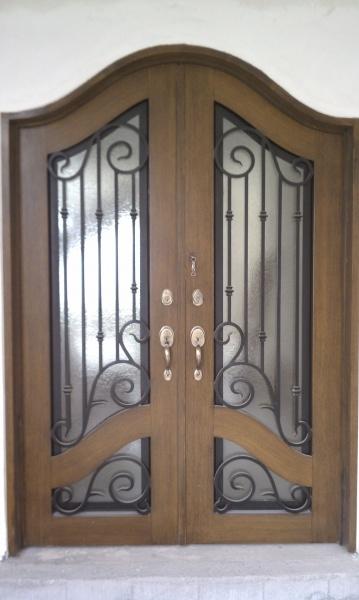 Puertas principales de forja herreria y forja for Puertas principales de casas
