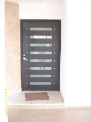 Puerta contemporaneo 104 herreria y forja - Puertas herreria ...