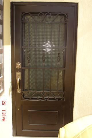 Puerta de forja 102 herreria y forja for Puertas principales de herreria casas