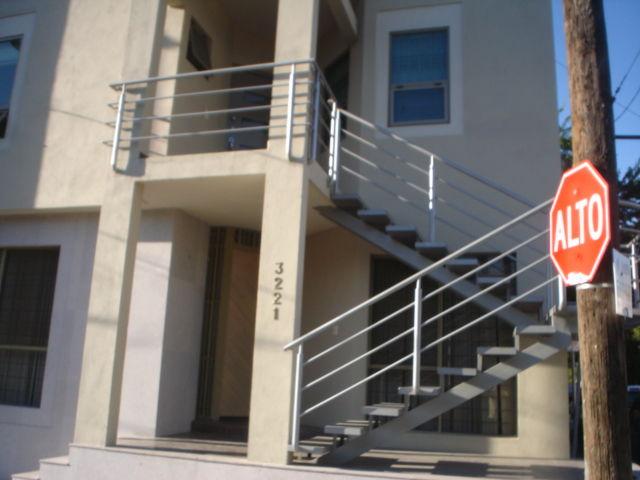 Escalera contemporaneo herreria y forja for Fotos de escaleras de herreria