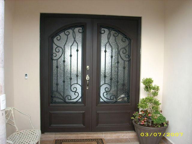 Puerta de forja 110 herreria y forja for Puertas de herreria para casa