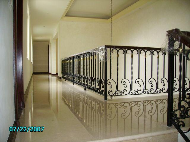 Pasamanos de escalera herreria y forja for Fotos de escaleras de herreria
